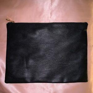 Forever 21 Black Pleather Envelope Clutch 💌